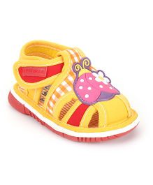 Cute Walk by Babyhug Sandals Ladybird Patch And Checks Print - Yellow