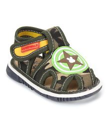 Cute Walk by Babyhug Sandals Star Patch - Green