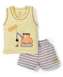 Child World Sleeveless T-Shirt And Shorts Crane Embroidery - Yellow