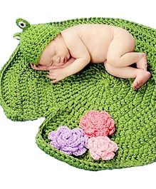 The Original knit Frog photoprop - Green
