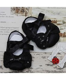 D'chica Attractive Pair Of Shoes With Ribbon & Bow Applique - Black