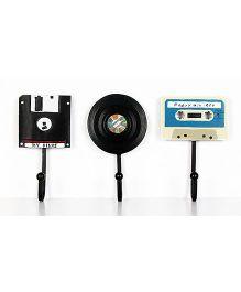 Little Nests Plastic Music Theme Hooks Black Blue - 3 Pieces