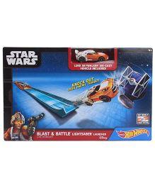 Hot Wheels Star Wars Blast And Battle Lightsaber Launcher Car With Car - Orange