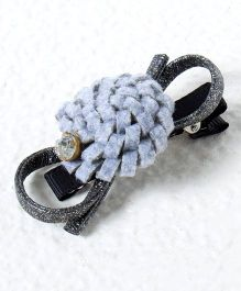 Treasure Trove Carnation Alligator Hair Clip - Gray