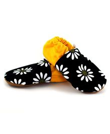 Skips Slip On Jootie Booties Floral Print - Black and Yellow