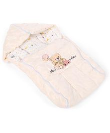 Mee Mee Hooded Carry Nest Teddy And Balloon Patch - Cream