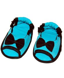 SnugOns Baby Booties With Bow Applique - Blue