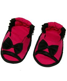 SnugOns Baby Booties With Bow Applique - Dark Pink