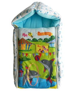Beebop Circus Print Carry Nest - Turquoise