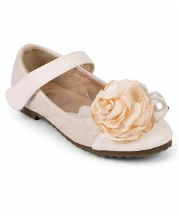 One Friday Dual Tone Sandals With Flower Attached - Cream
