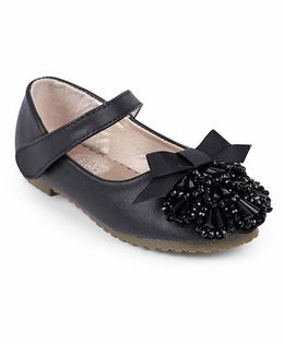One Friday Sandals With Beads & Bow Attached - Black