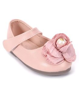 One Friday Sandals With Pretty Flower Attached - Pink