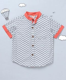 Hugsntugs Chevron Print Shirt With Contrast Chinese Collars - Grey & White