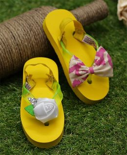 D'Chica Edgy Chic Mismatch Flip Flops With Backstrap - Yellow