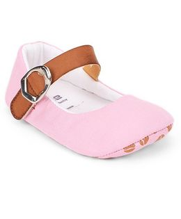 Ivee Soft Sole Cotton & Polyester Shoes - Pink