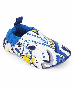 Ivee Anti Skid Soft Sole Shoes - Blue
