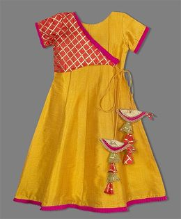 Shilpi Datta Som Exquisite Overlap Style Gown With Latkan - Yellow
