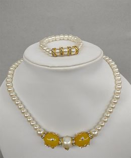 Tiny Closet Pearl Necklace & Bracelet Set - Yellow