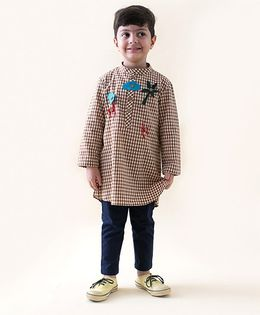Tiber Taber Heartfelt Checks Kurta With Detachable Toys - Brown