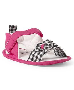 Ivee Anti Skid Soft Sole Checkered Booties - Dark Pink