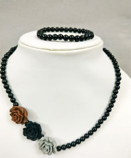 Tiny Closet Rose Design Bracelet & Necklace - Black