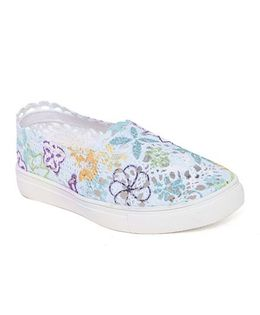 One Friday Lacy Printed Shoes - Multicolour