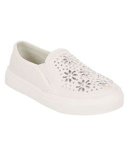 One Friday Party Wear Shoes With Embroidery - White