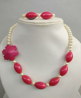 Tiny Closet Pearl Necklace & Bracelet Set - Pink