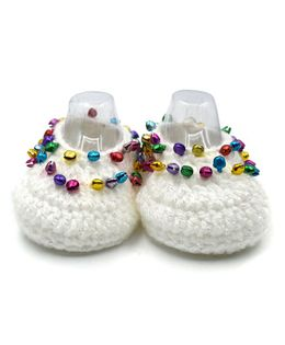 Magic Needles Handmade Crochet Turkish Yarn Glitter Mojaris Booties With Ghungroo - White