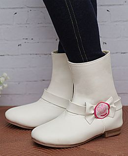 D'chica Peppa Pig Bow Applique Ankle Length Boots - White