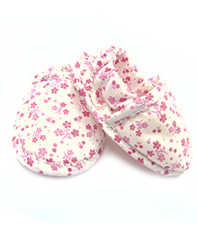 Tiny Toddler Flower Print Booties With Elastic At Back - Off White & Pink