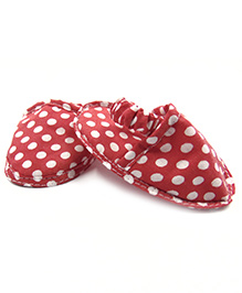 Tiny Toddler Polka Dot Booties With Elastic At Back - Red