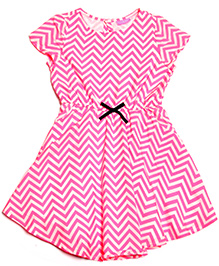 One Friday Zigzag Dress With Bow At Front - Pink