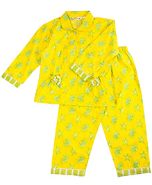 Cuddle Up Under Water Print Night Suit For Girls - Yellow