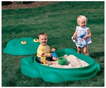 Step 2 Frog Shaped Sandbox With Cover