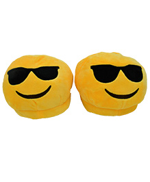 The Crazy Me Emoji Cool Sunglass Slippers - Yellow