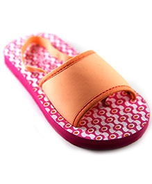 Pugs Flapper Sandal For Your Little Shoeaholic With Patterns Print - Peach