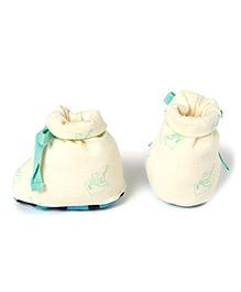 Pranava Organic Cotton Ship Print Booties  -  Off White