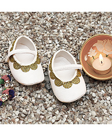 D'chica Lacy Chic Booties For Baby Girls - White & Gold