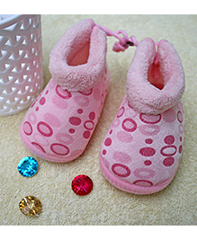 Little Bunnies Droplets Print Infant Booties - Pink