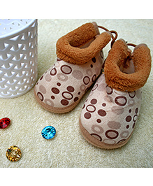 Little Bunnies Droplets Print Infant Booties - Brown