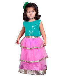 Chubby Cheeks Sleeveless Layered Lehenga And Choli Set - Pink & Green