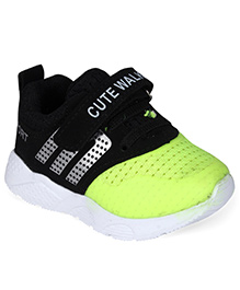 Cute Walk by Babyhug Casual Shoes With Velcro Closure - Black & Green