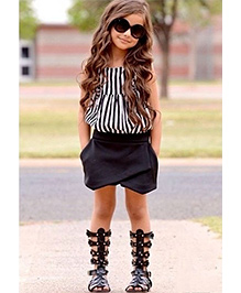 Tiny Closet Striped Top With Shorts - Black & White