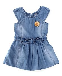 Adores Sleeveless Denim Dress With Flower Badge - Light Blue