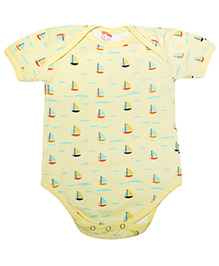 Hugsntugs Half Sleeves Boat Print Onesie - Yellow