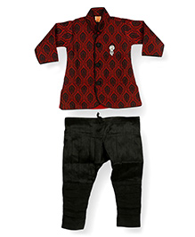Needybee Maroon Sherwani Churidar Breeches Ethnic Wear Set For Boys - Maroon & Green