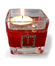 Sugarcart Glass Candle Stand With Floating Candle & Pearls - Red