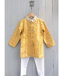 Frangipani Full Sleeves Kurta & Pyjama Set - Golden And White