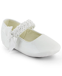 Kittens Shoes Ballerinas With Embellished Velcro Strap - White